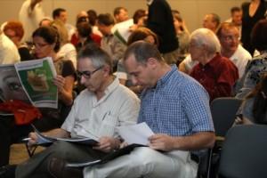 """כנס שנתי בעדשות מגע 2011. בתמונה מר אלי סביון ומר איוון הר תמונה ד""""ר ניר ארדינסט"""