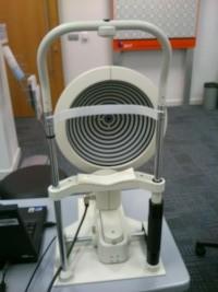 """מכשיר טופוגרפיה. צילום תמונה ד""""ר ניר ארדינסט"""
